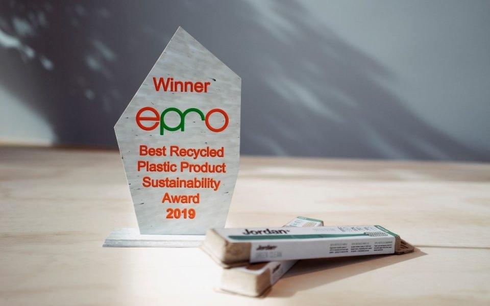 Europeisk bærekraftspris til vår miljøvennlige tannbørste
